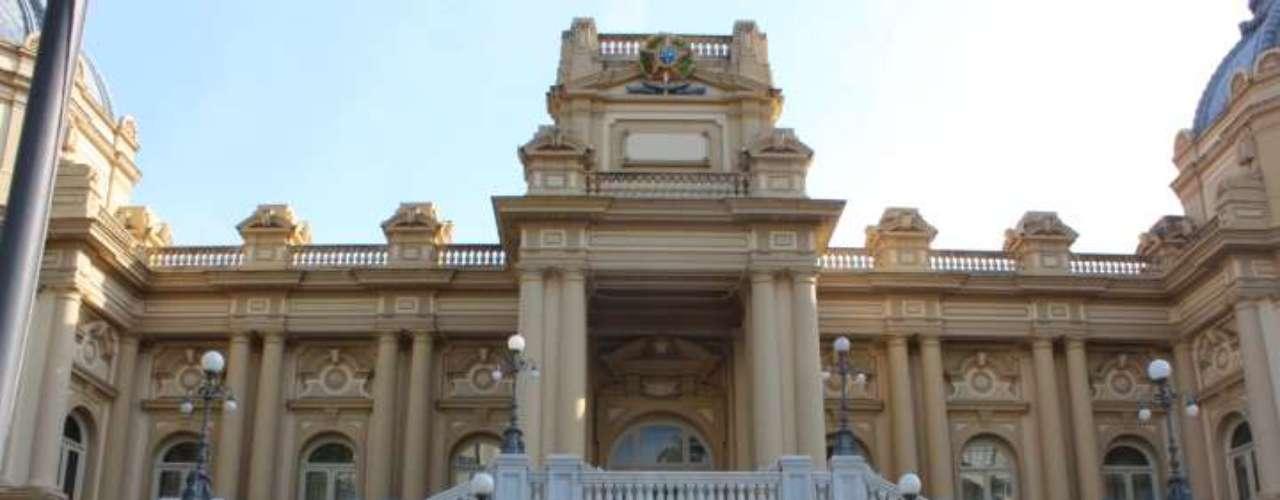 22 de julho -Momentos antes do desembarque do papa Francisco para a realização da Jornada Mundial da Juventude (JMJ), o Palácio Guanabara, sede do governo fluminense, já estava tomado pelas forças de segurança do Estado