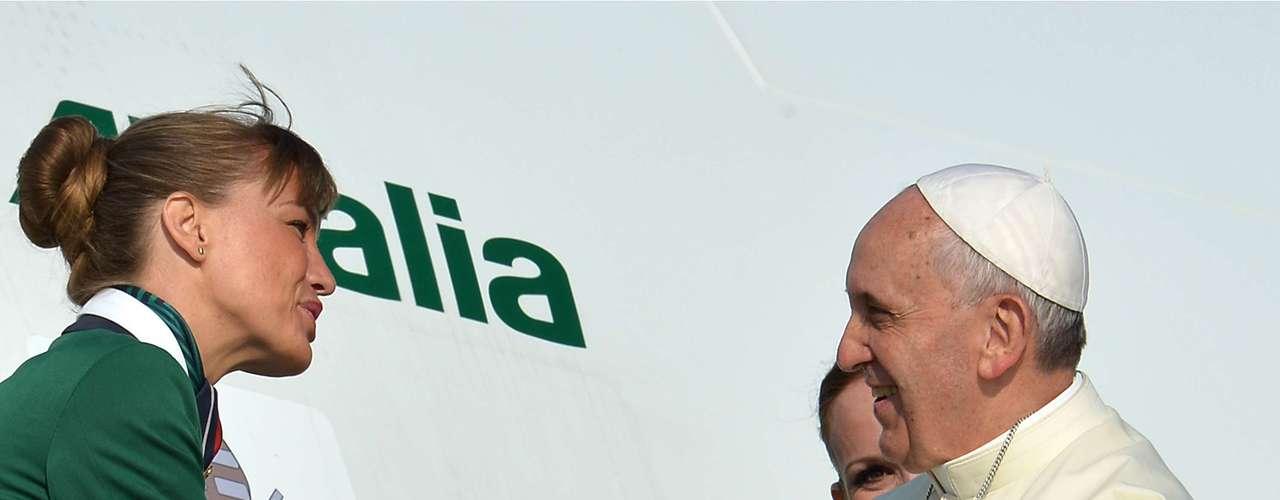 22 de julho -O avião do papa Francisco decolaàs 8h55 (horário de Roma) com destino ao Rio de Janeiro