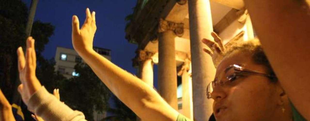 22 de julho -Peregrinos da Jornada Mundial da Juventude rezaram em protesto ao ato promovido por conta da vista do Papa
