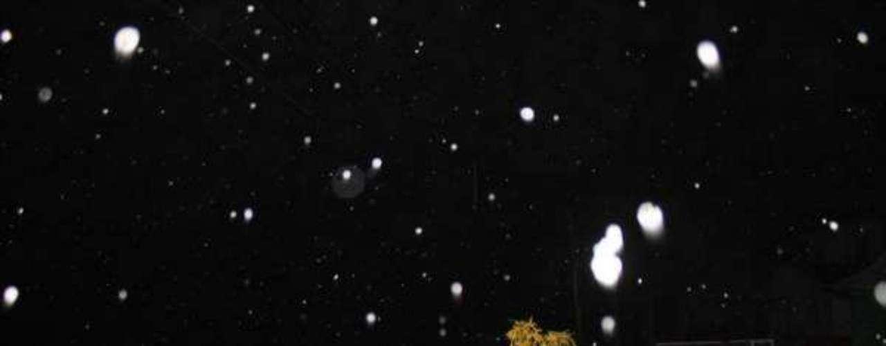 22 de julho - São Joaquim, na serra catarinense, registrou neve na madrugada desta segunda-feira