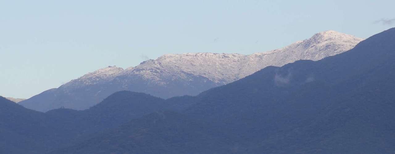 23 de julho -De acordo com as informações daEpagri/Ciram, não nevava no morro do Cambirela há 29 anos