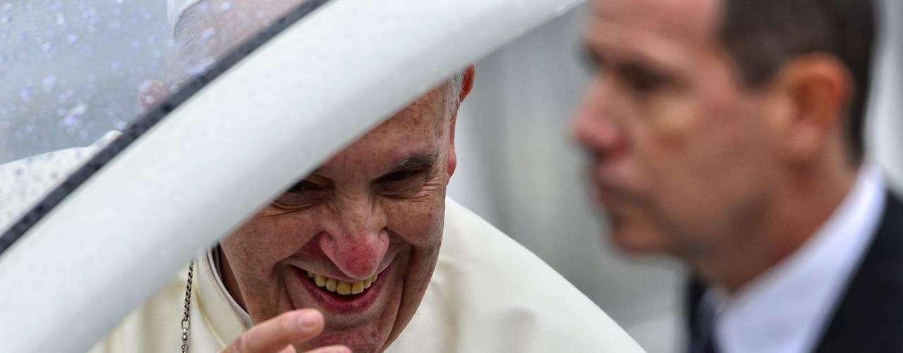 24 de julho - Momento da chegada do Papa Francisco em Aparecida