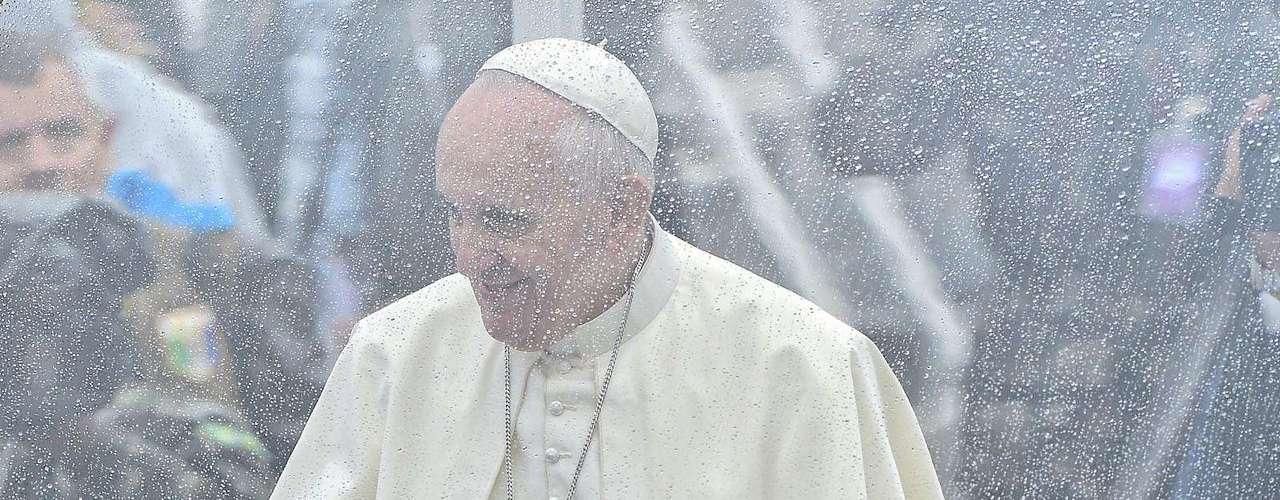 24 de julho -chegada na cidade paulista foi sob chuva