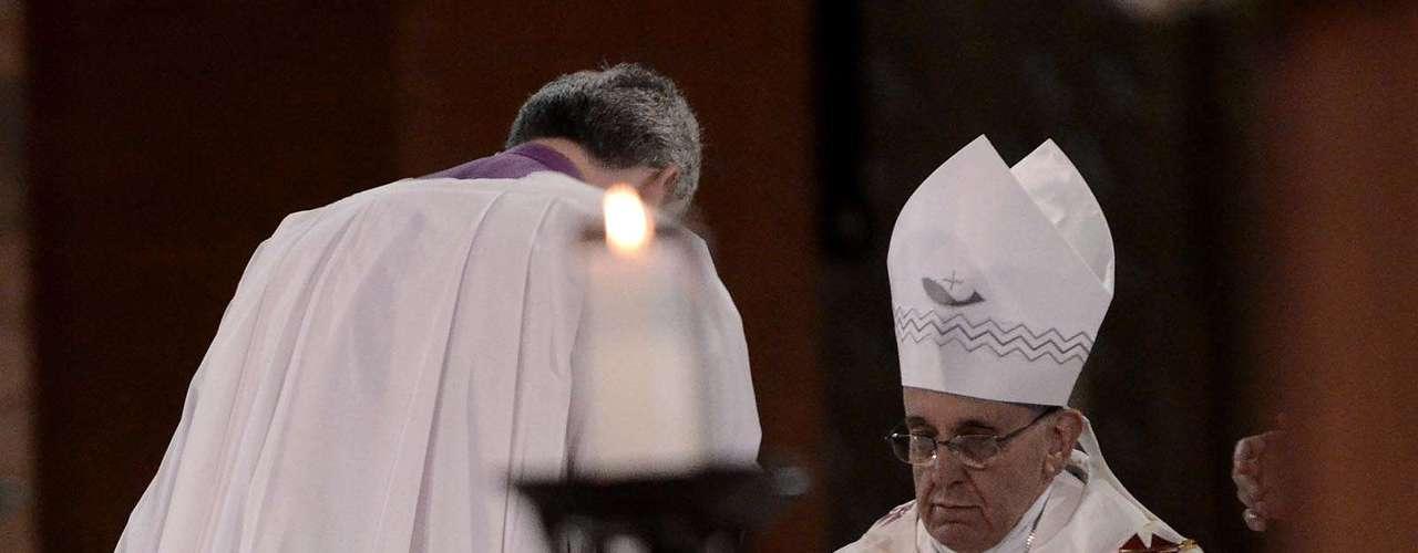 24 de junho - Papa celebrou a missa na basílica de Aparecida