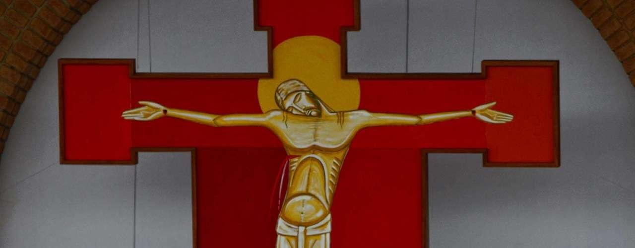 24 de abril -O papa Francisco pediu desculpas ao público por não falar \