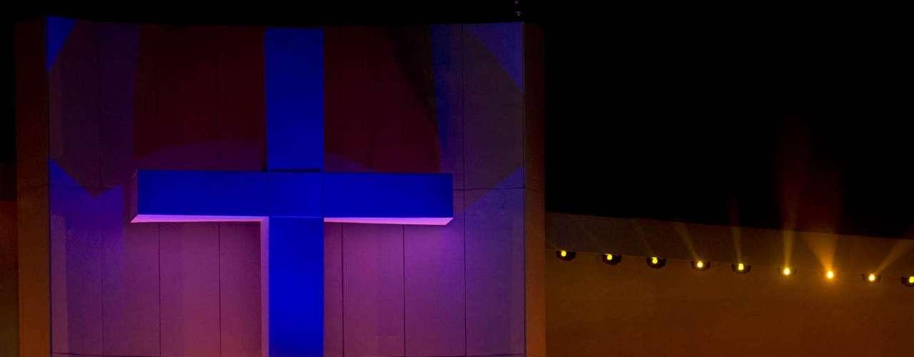 23 de julho -Altar foi montado no palco na praia de Copacabana para a missa de abertura da Jornada Mundial da Juventude