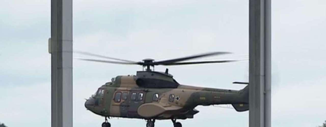 24 de julho -  Em São José dos Campos, ele embarcou em um helicóptero, com destino à Aparecida