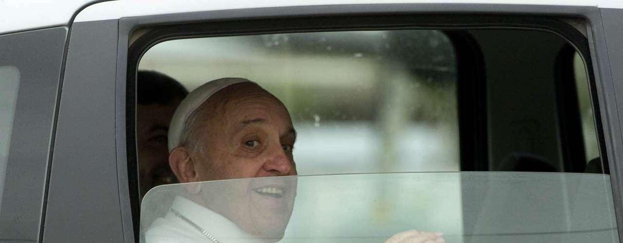 24 de julho -O Papa deixou o Rio de Janeiro na manhã desta quarta, rumo à cidade de Aparecida
