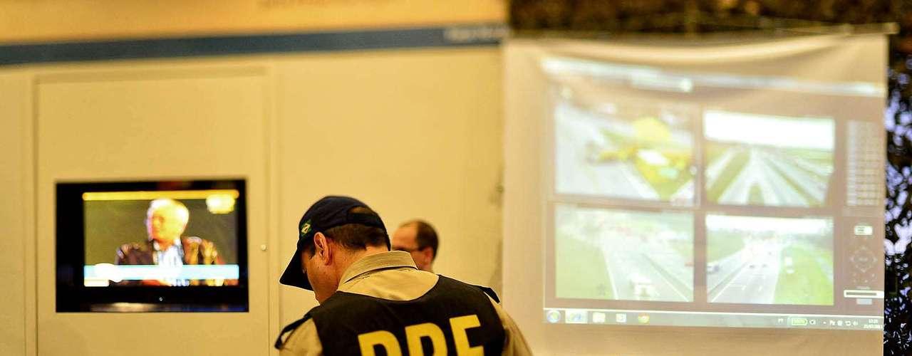 23 de julho -Agentes da Polícia Rodoviária Federal farão operação especial para a visita do Papa à Aparecida