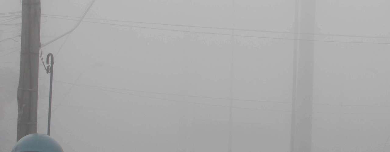 26 de julho - Dia iniciou com temperatura baixa e muita neblina em Porto Alegre na manhã desta sexta-feira