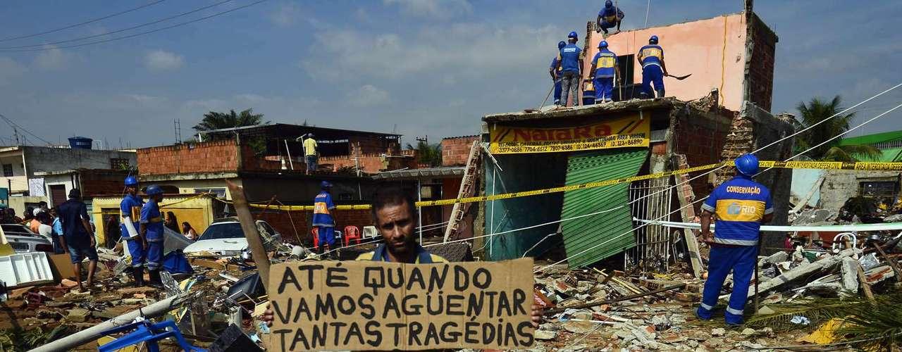 Moradores também fizeram protesto contra a situação do bairro