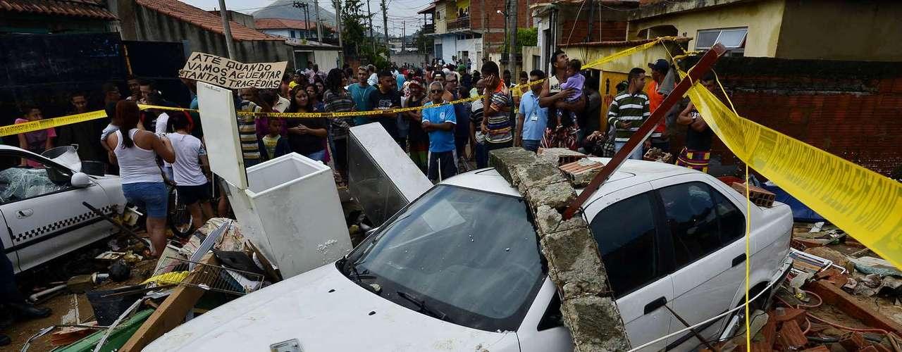 Veículo BMW também foi atingido pela água