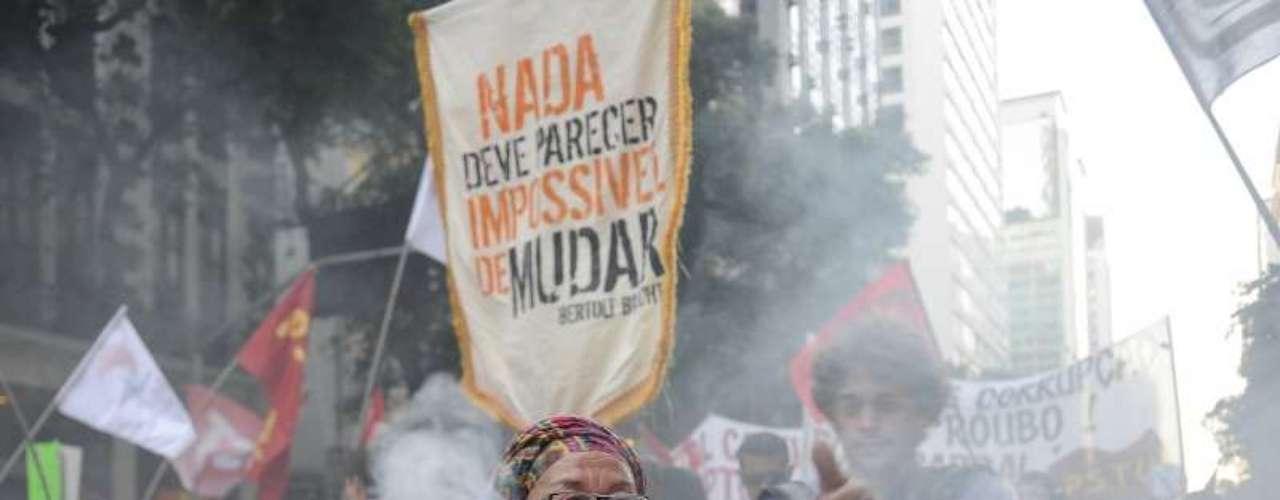 8 de agosto -Com defumador, baiana protesta nesta quinta-feira no Rio de Janeiro