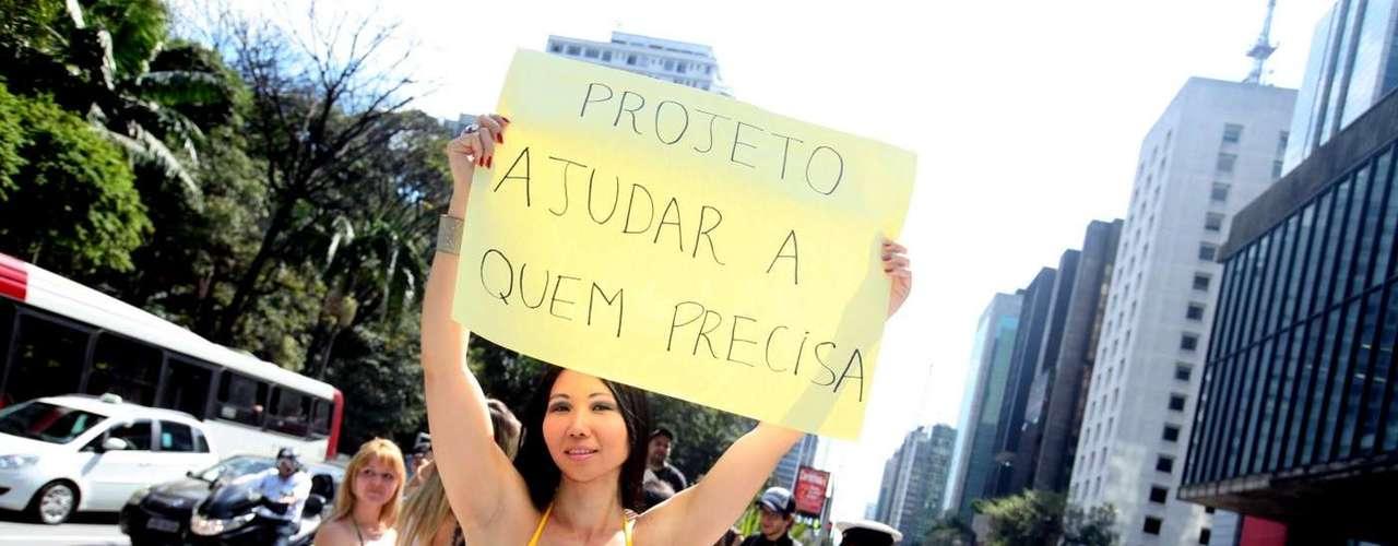 23 de agosto - Grupo desfilou pela avenida Paulista e pediu atenção a causas sociais