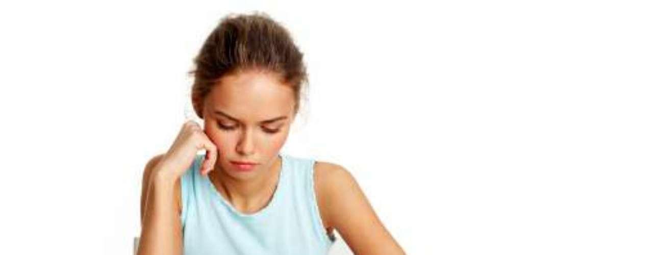 4. Vermes Para perder peso, algumas pessoas procuram ser infectadas com vermes. A infecção traz problemas como bloqueios digestivos, a interrupção da função de alguns órgãos, danos ao cérebro e ao sistema nervoso e até mesmo morte