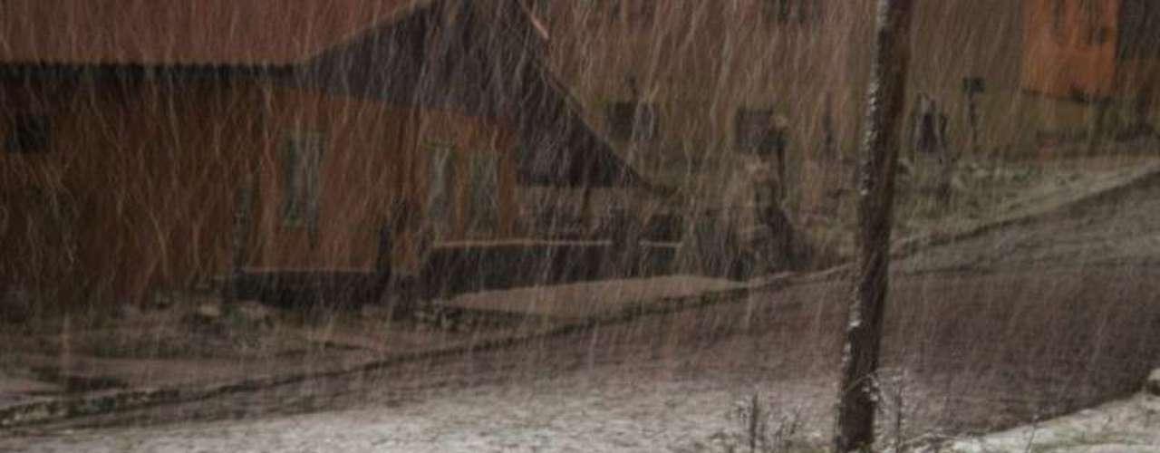 27 de agosto - São Joaquim (SC) registrou temperatura negativa e neve no amanhecer