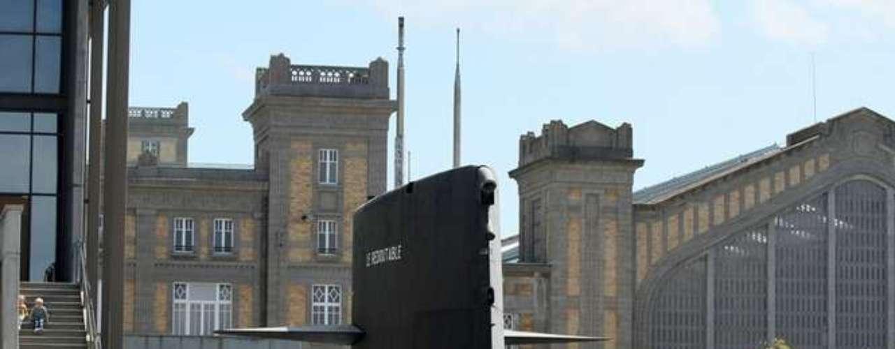 Uma das curiosidades de Cherbourg é um submarino nuclear que foi transformado em museu