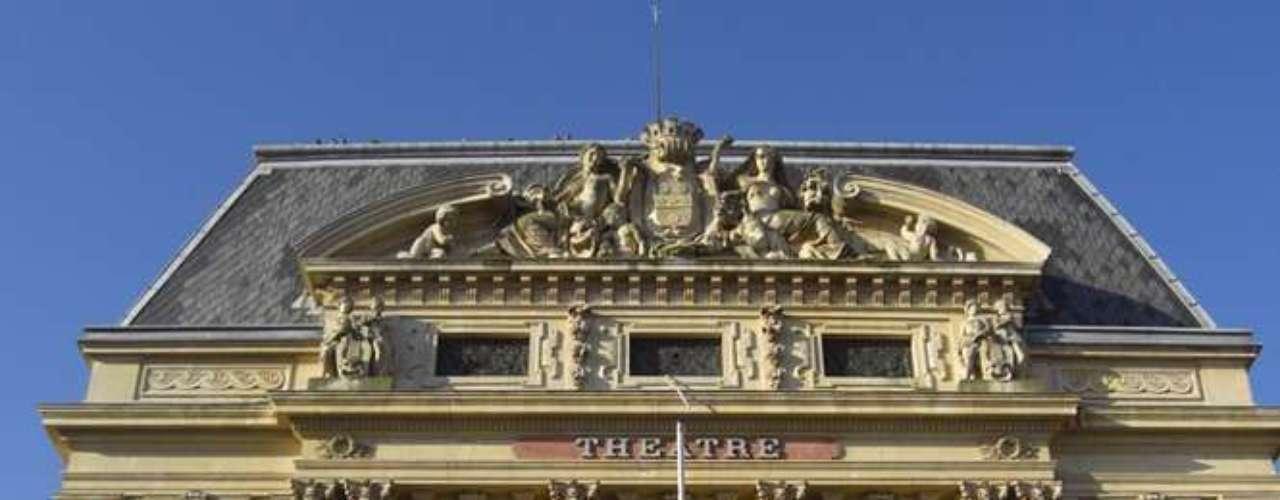 Outro prédio histórico da cidade que se destaca é o Theatre L'Italienne, construído em 1882