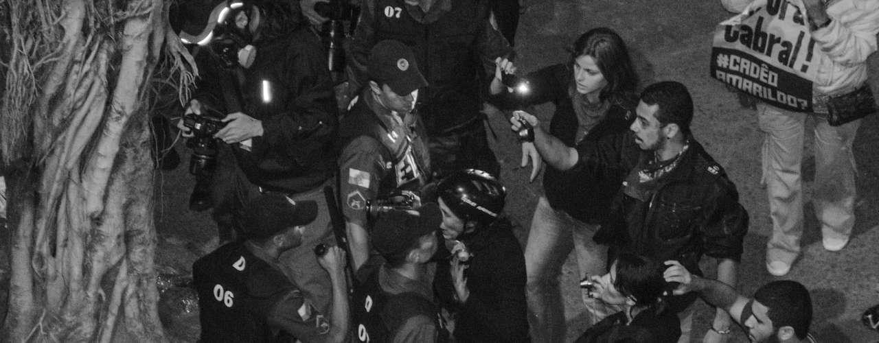27 de agosto -O Batalhão de Choque da PM entrou em ação, lançando bombas de efeito moral e gás lacrimogênio