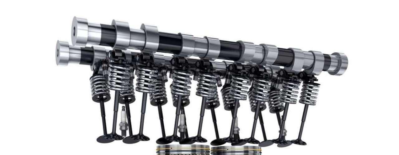 O motor de 16 válvulas tem quatro válvulas por cilindro