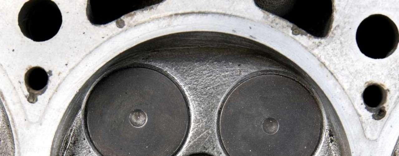 O motor de 16 válvulas tem alto consumo em giro baixo e menor consumo em rotação elevada