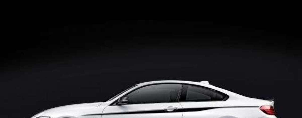 Nova BMW Série 4 M