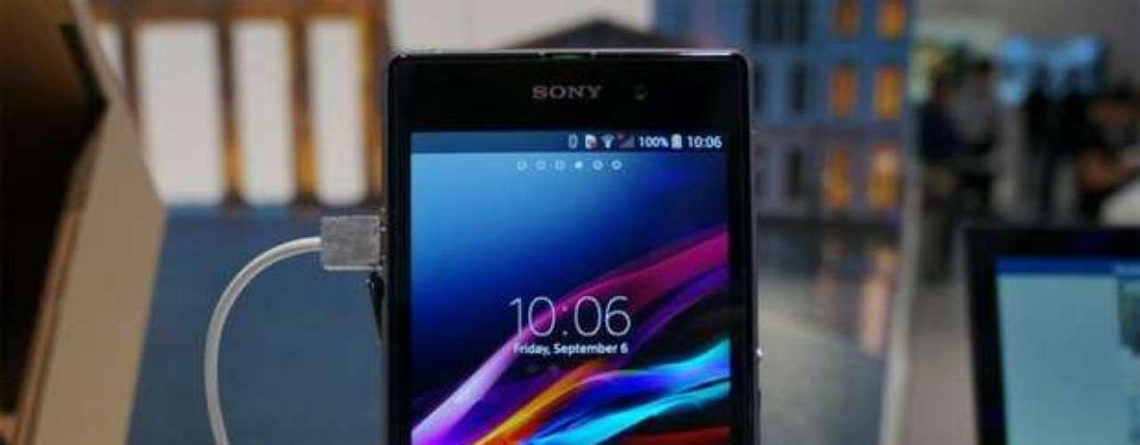 Smartphone com tela de 5 polegadas FullHD foi anunciado na IFA, em Berlim