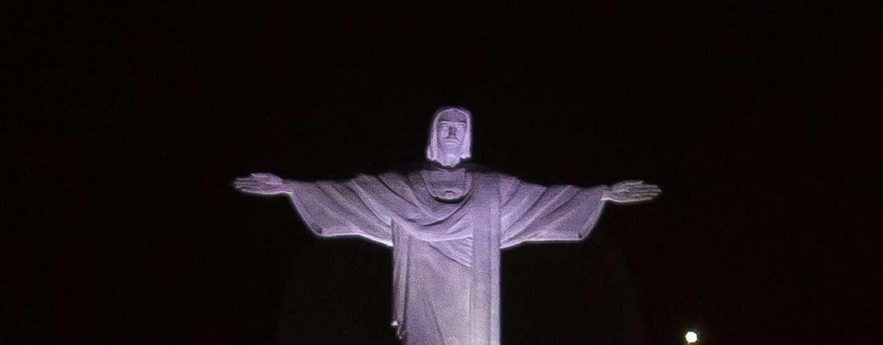 Fenômeno foi visto também no Rio de Janeiro neste domingo