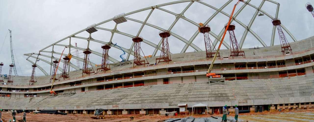 11 de setembro: obras da Arena da Amazônia evoluíramprincipalmente em três partes - a preparação para receber o gramado; a última parte da cobertura; e a colocação de assentos nas arquibancadas. Com isso, agora o estádio está 80,33% pronto