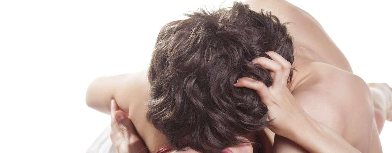 Sexo anal é um tabu, mas isso não quer dizer que ela não queira experimentar