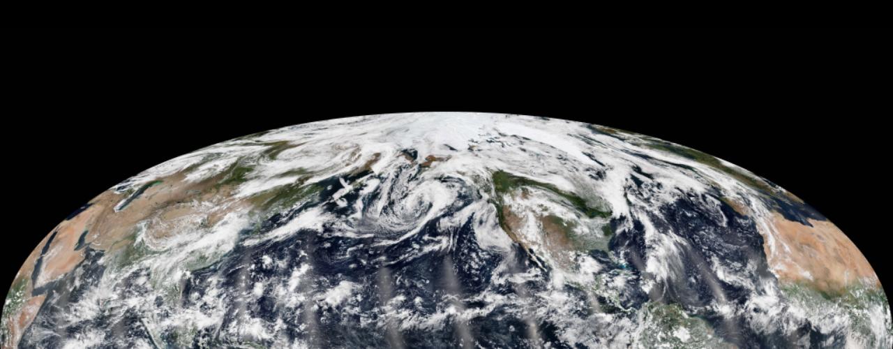 16 de setembro - No dinâmico e inquieto planeta em que vivemos, qualquer dia pode registrar o nascimento de um ciclone, uma tempestade tropical, uma erupção vulcânica. Na semana passada, porém, por um breve momento, os céus sobre todos os oceanos da Terra estavam calmos. Por volta da metade do dia 8 de setembro, não havia furacões, tufões... nenhum fenômeno climático extremo sobre o Atlântico, o Pacífico, o Índico - uma ocorrência, conforme destacou a Nasa, bastante rara nessa época