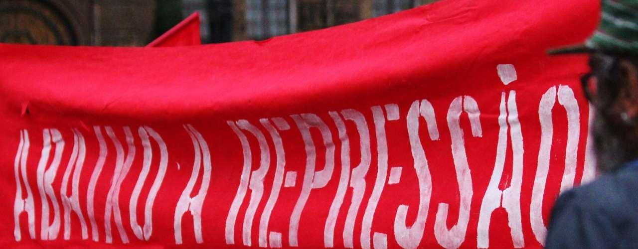 19 de setembro -Em agosto, foi criado um Comitê Estadual contra a Repressão, que pretende promover mobilizações, sempre que se julgue necessário, para atuar na defesa política e jurídica dos presos ou processados por conta de manifestações públicas