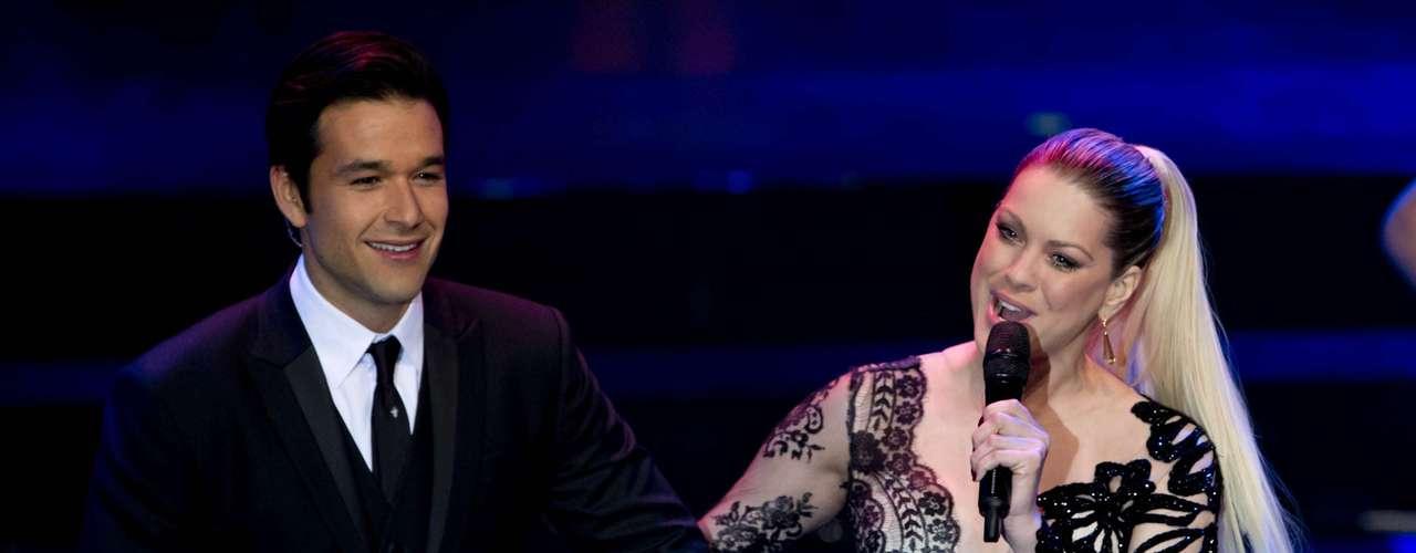 Sergio Marone e Renata Fan apresentaram a cerimônia do Miss Brasil 2013