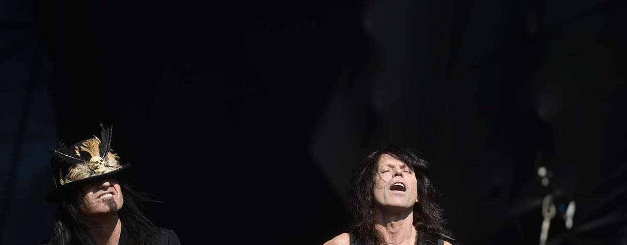Geoff's Tate Queensrÿche subiu ao palco do Monsters of Rock 2013, no Anhembi, na tarde deste domingo (20), em São Paulo. Desenterrando alguns poucos sucessos da banda, o grupo ganhou o coro em alguns compassos, mas ficou longe de fazer uma apresentação memorável, mesmo para os fãs mais entusiasmados do grupo