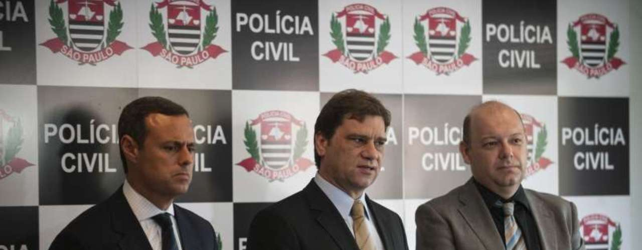 24 de outubro -Da esquerda para a direita: os delegados José Humberto Urban Filho, Marcelo Carriel e Marcelo Sampaio Pontes
