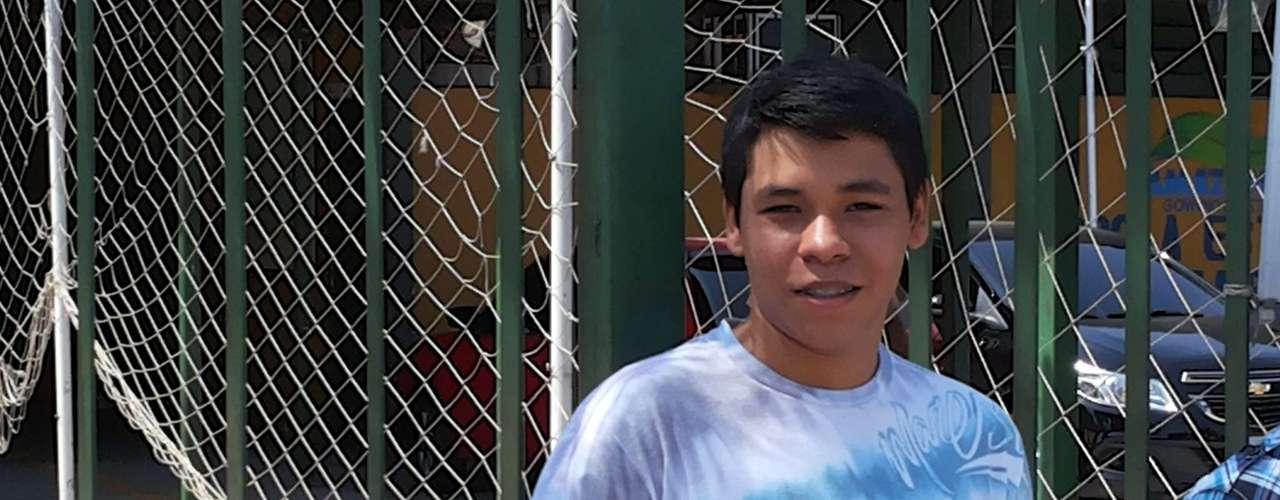 Manaus - O estudante Adriel chegou duas horas antes do portão abrir e teme o teste de redação