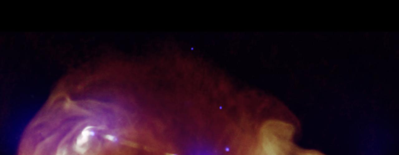 1 de novembro - Jatos gerados por buracos negros supermaciços no centro de galáxias podem transportar imensas quantidades de energia através de grandes distâncias. A 3C353 (na imagem) é uma fonte vasta onde a galáxia é apenas um pequeno ponto no meio, e gigantescas nuvens de radiação podem ser vistas com instrumentos da Terra
