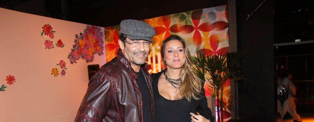 O ator Luciano Szafir compareceu ao Fashion Rio nesta quarta-feira (6). Prestes a ser pai novamente, ele contou que a filha com a apresentadora Xuxa Meneghel, a Sasha, não ficou com ciúmes do novo irmão:\