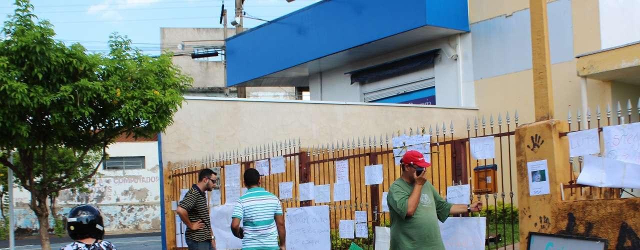14 de novembro - Moradores de Ribeirão Preto fazem peregrinação até a casa na qual morava o garoto Joaquim