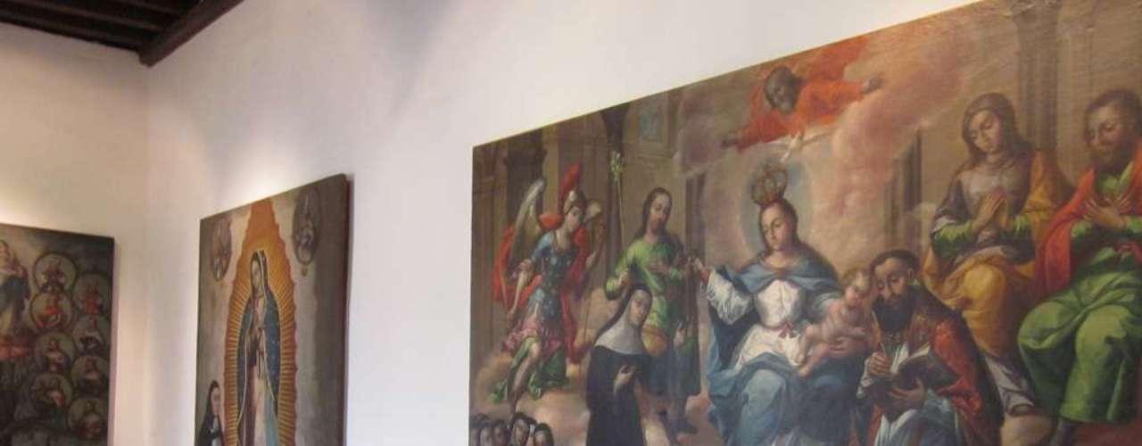 Entre as obras preservadas no local estão pinturas religiosas feitas há mais de 200 anos por indígenas