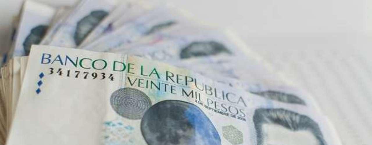 O peso colombiano é a moeda mais desvalorizada com relação ao dólar entre os representantes sul-americanos na Copa. Com apenas um dólar compra-se 1.932 pesos