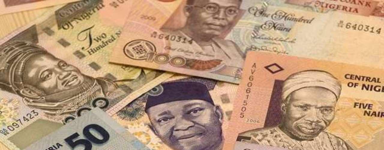 A moeda da Nigéria é desde 1973 a naira, quando esta substituiu a libra. Um dólar equivale a 159 nairas
