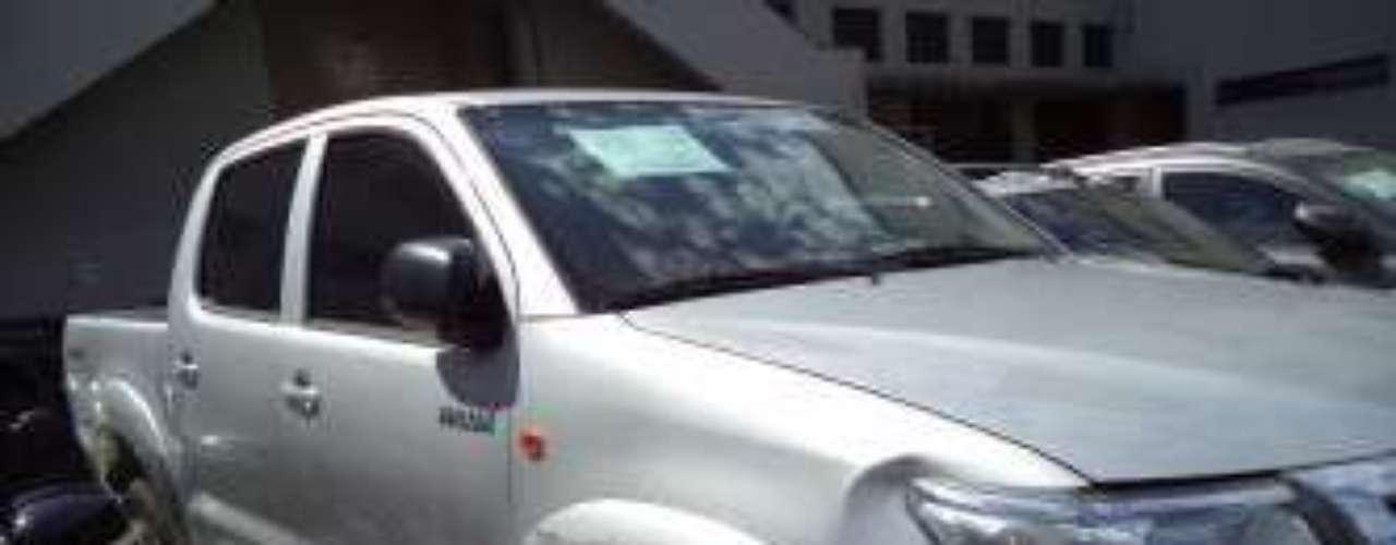 Só uma picape Toyota Hilux, ano 2011, foi arrematada, pelo lance mínimo, de R$ 95.000