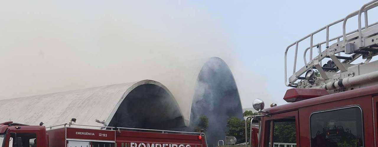 Havia muita fumaça no local