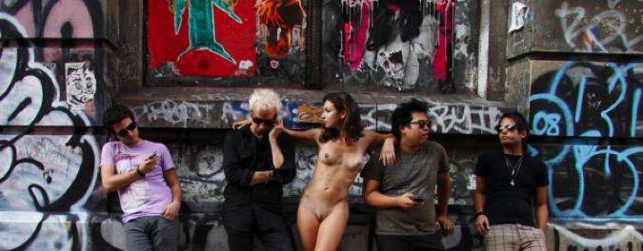 Fotógrafa Erica Simone publicou em seu site oficial o ensaio Nue York