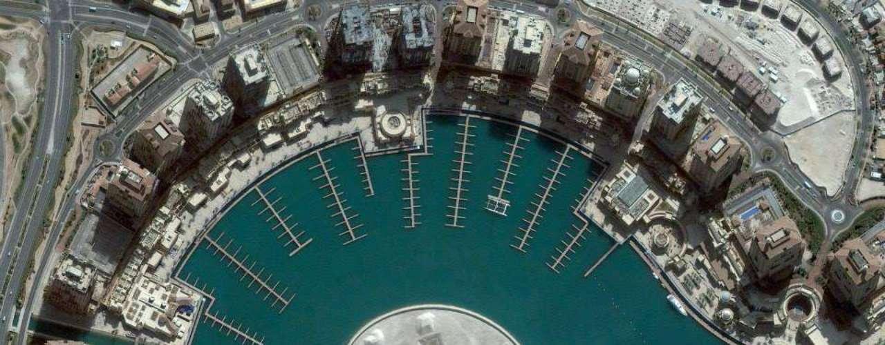No Qatar, uma nova ilha também aparece - mas feita pelo homem