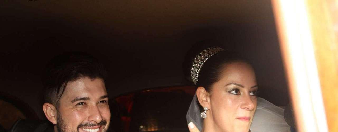 Silvia Abravanel , filha de Silvio Santos, se casou na noite dessa sexta-feira  (6), em São Paulo, com o cantor sertanejo Edu, da dupla Téo & Edu
