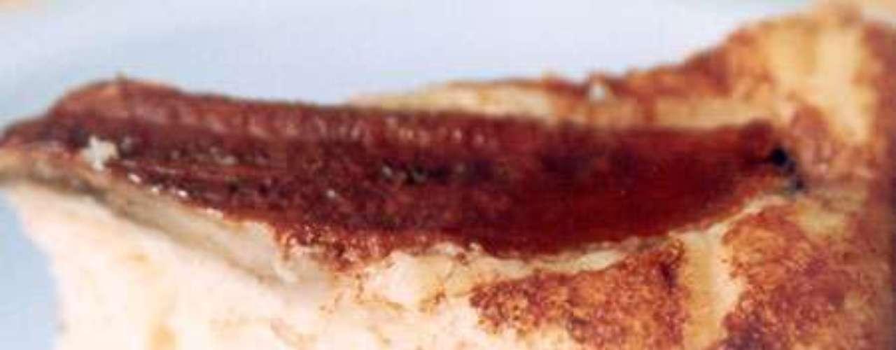 Bolo de banana com farinha de rosca.