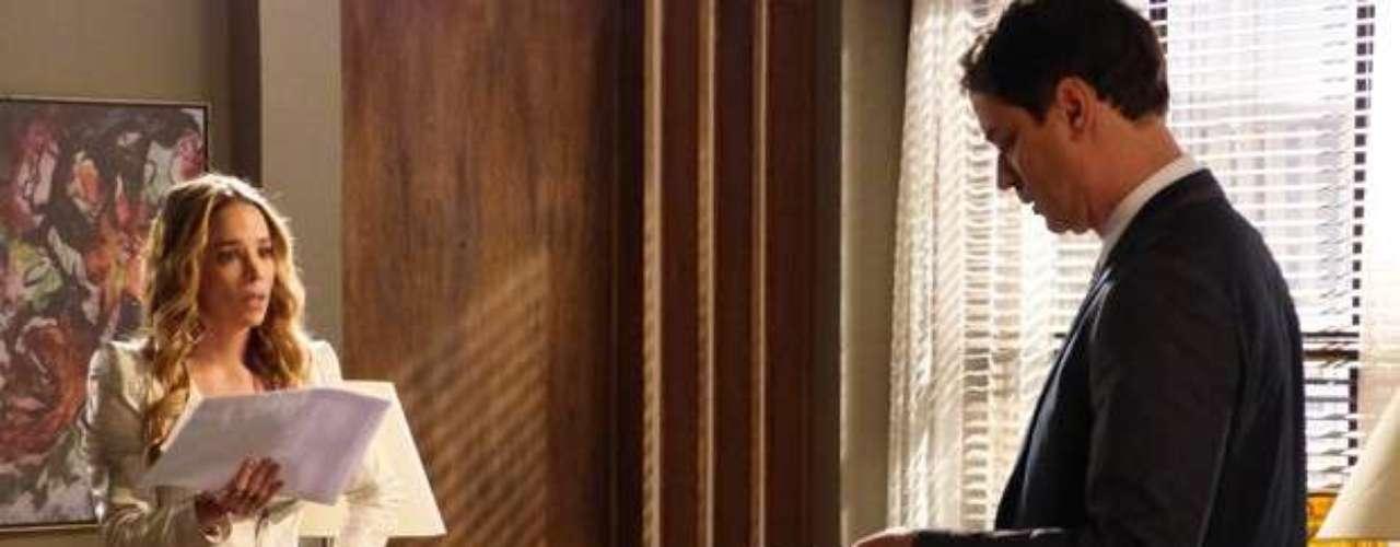 Mesmo com Eron (Marcello Antony) e Amarilys (Danielle Winits)relutando em colaborar,Niko (Thiago Fragoso) eSilvia (Carol Castro) conseguem obrigar o casal a realizar o teste de DNA de Fabrício