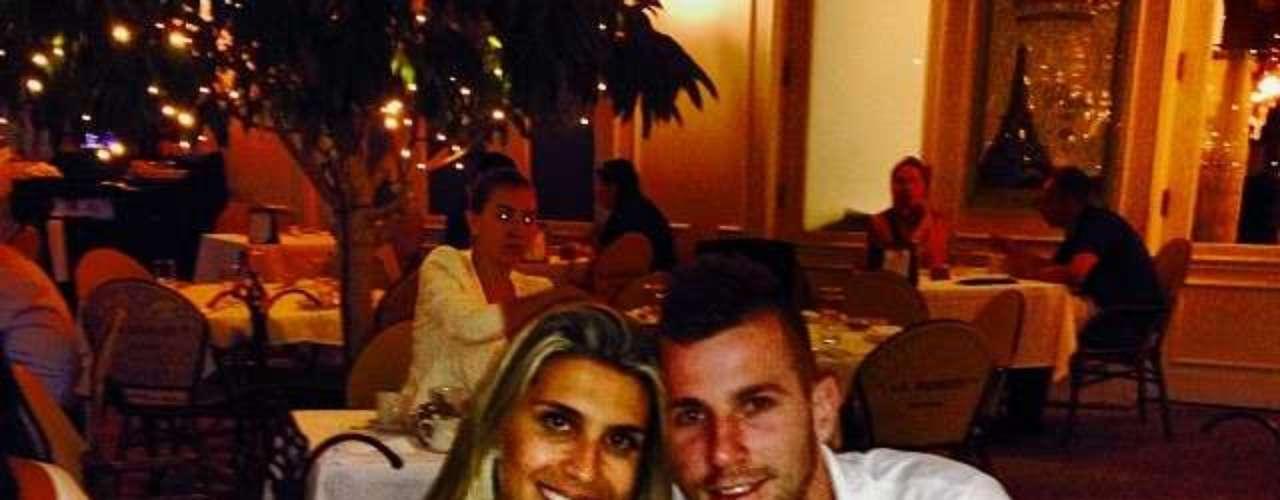 Paulo Victor, do Flamengo, foi para Orlando com a família